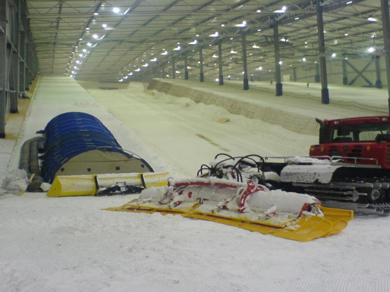 real snow indoor ski slope