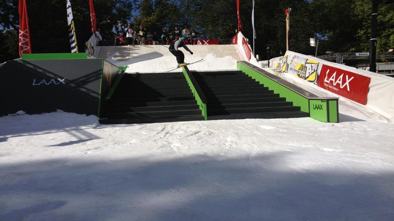 Snowpark LAAX, Rail slide
