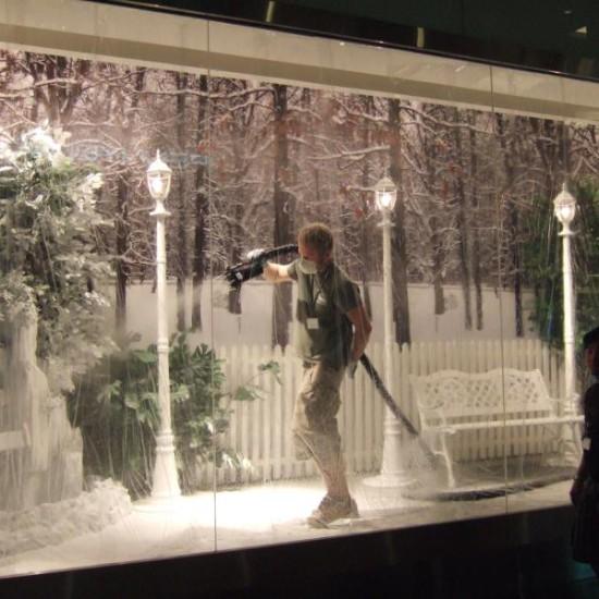 Snow Decoration visual merchandising