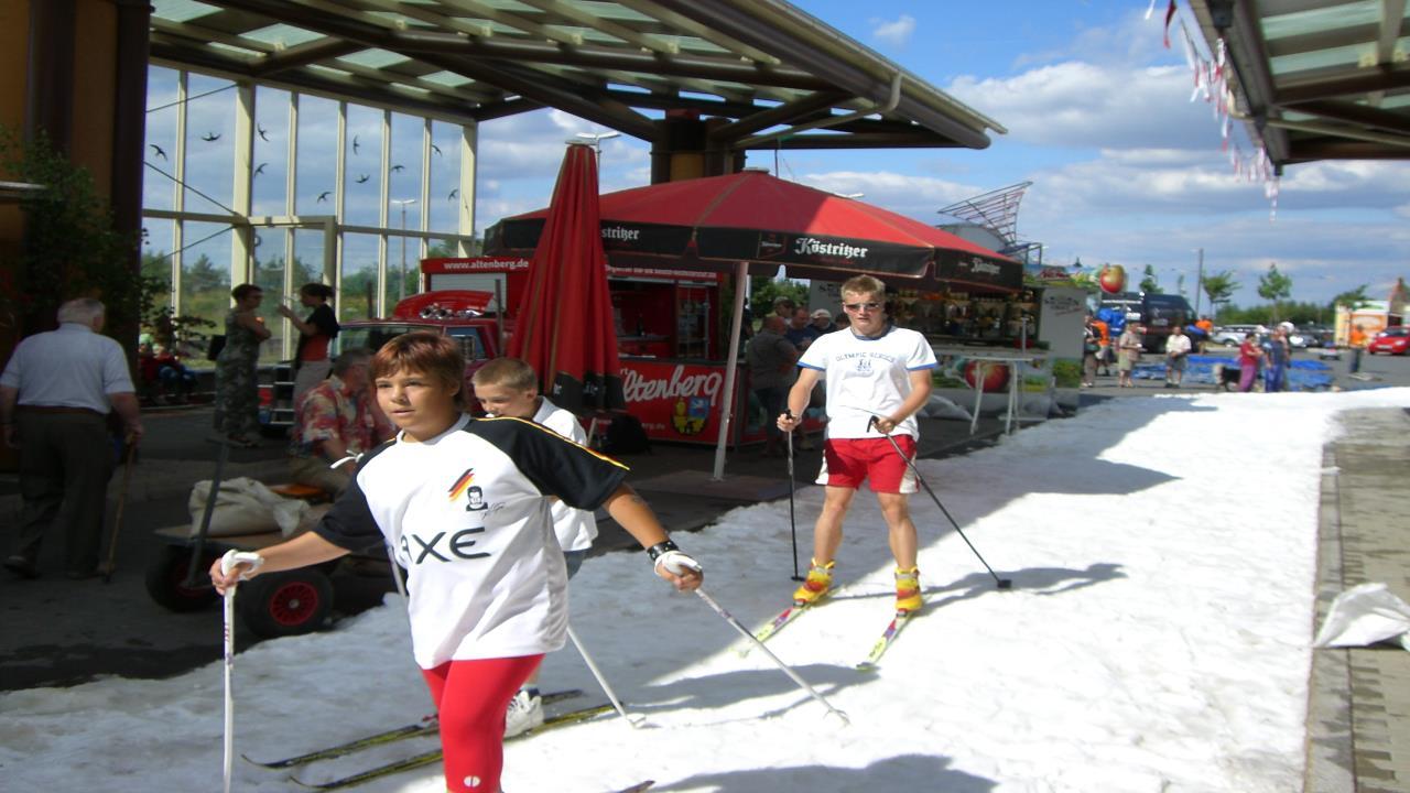 Langlauf Track with polar snow
