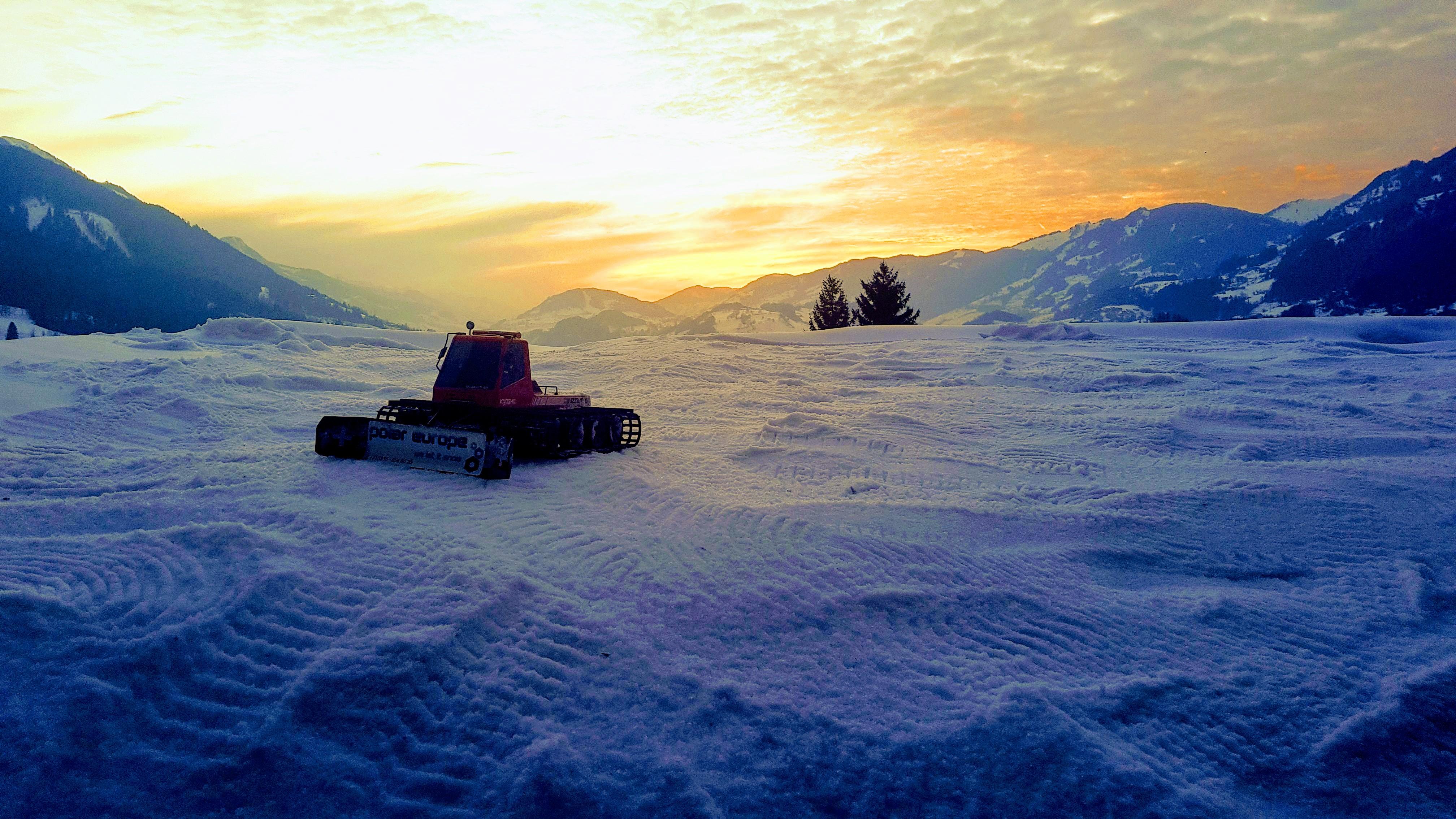 Sneeuw pistenbully